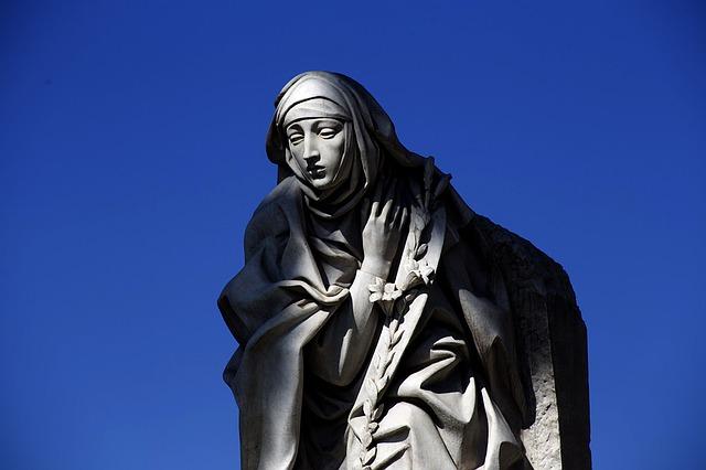 statue-1098213_640